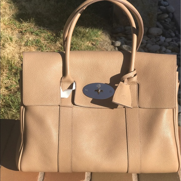 f6792ab7eee2 Mulberry bayswater classic tan colour (flash sale)