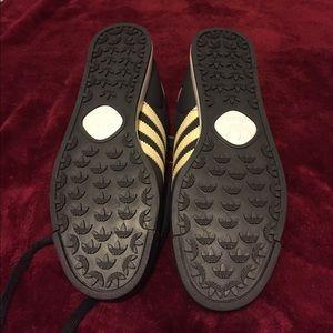 Adidas Shoes - Adidas Samoa