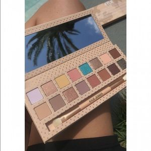 Kylie Cosmetics Kylie Take Me On Vacation Palette From