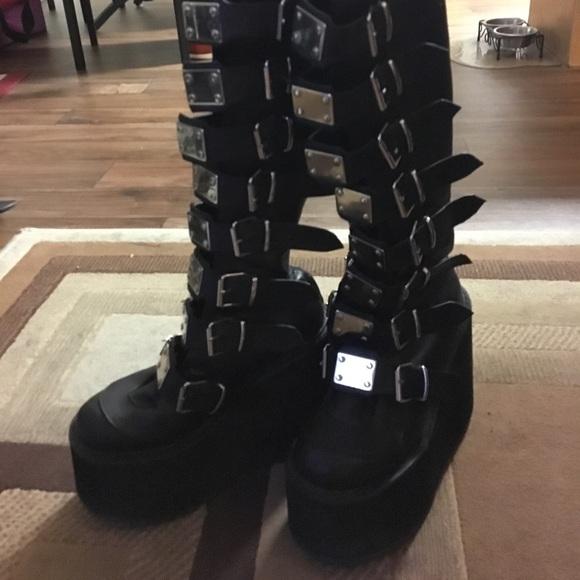 048c0463867 Demonia Shoes - Demonia trinity boots