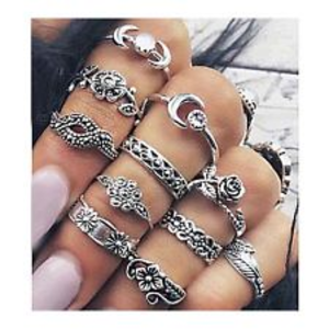 Jewelry - 1 Left**11pc. Midi/Knuckle  Ring Set