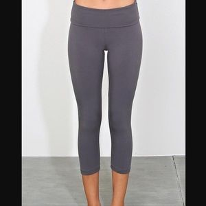 Aerie Gray Fold Over Waistband Yoga Capri Pants