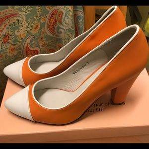 Shoes - Beautiful orange and white heels