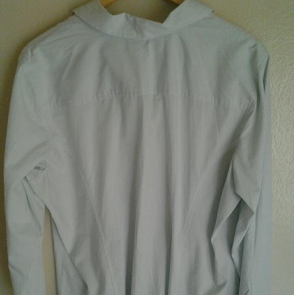 Old Navy Light Blue Women 39 S Pinstripe Button Down Shirt