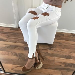 Denim - 3 Pairs Left • White Distressed Skinny Jeans
