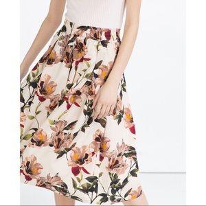 NWT Zara Floral A Line Circle Skirt