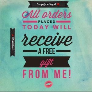 Other - 🆓️gift🎁 with every order🛍placed today!!