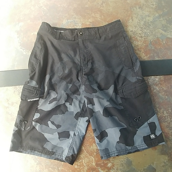 💲PRICE DROP💲  Land to Sea shorts size 10