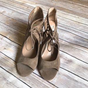 NWOT Dolce Vita Ocana Sandal Taupe Size 9.5