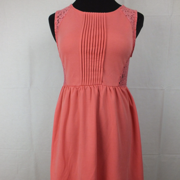 Paper Crane Dresses & Skirts - NWT PAPER  CRANE anthroplogie Point Pleated Dress