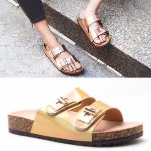 LAST 1✨ holographic slider sandals gold tan trend