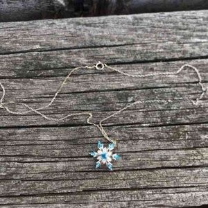 Jewelry - **SOLD***Snowflake pendant necklace