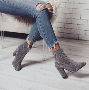 //The Glitzy// Sliver shinny stretchy booties