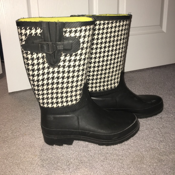 Shoes Black White Patterned Rain Boots Poshmark Amazing Patterned Rain Boots