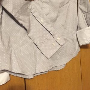 H&M Tops - H&M Fitted Button Down