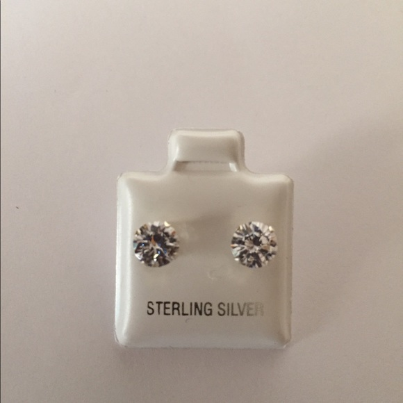 how to clean sterling silver jewelry at home