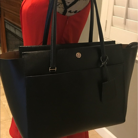 df9a4e55a95 Parker Leather Tote authentic TORY BURCH. M 59658e3478b31c21af00f3c8