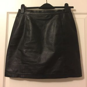 Vintage Leather Mini Skirt Size 7/9落
