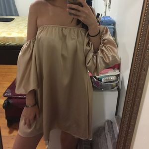 Off the shoulders chiffon dress