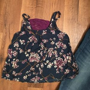 mini chica Tops - Floral crop top!