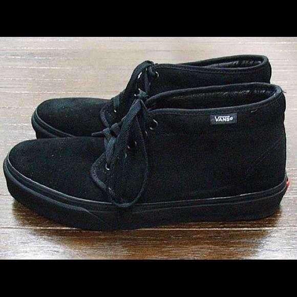 1b3bcf5316 Vans Suede All Black Chukka Boot. M 5965d0de78b31c746c01fc8c