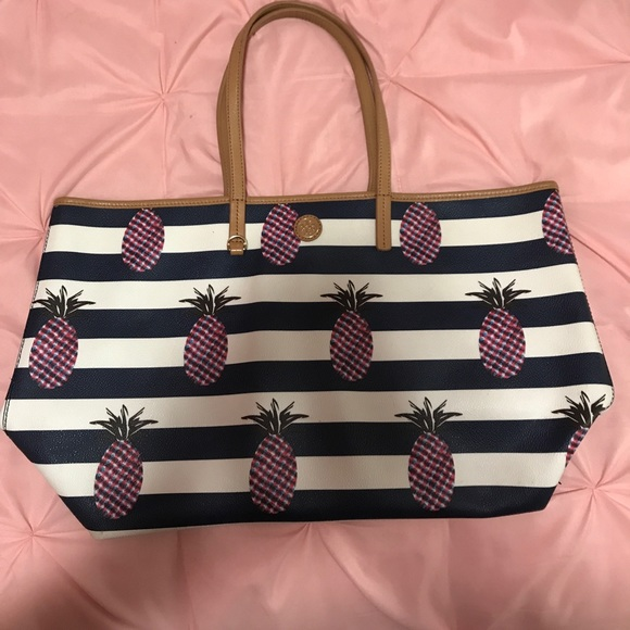 fa4e50cb4b6 Tory Burch pineapple tote bag. M 5966354256b2d68118005ddd