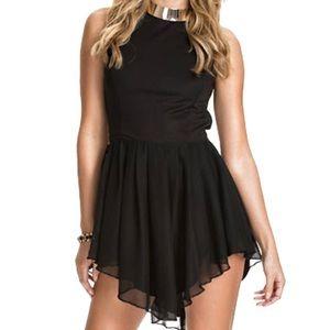 Dresses & Skirts - Chic black backless midi dress