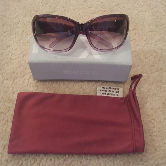1caad976c5d78 Roxy Accessories   Womens Minx Sunglasses   Poshmark