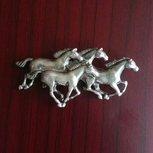Jewelry - Sterling silver horse pin