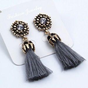 Jewelry - 🆕 VINTAGE INSPIRED TASSEL EARRINGS 🆕