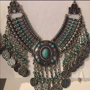 Jewelry - Gorgeous coin necklace