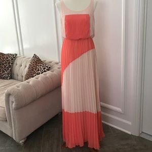 Vince Camuto Long Maxi Pleated Dress
