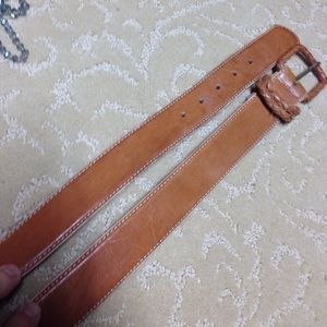 "Accessories - ""Natural"" leather belt."