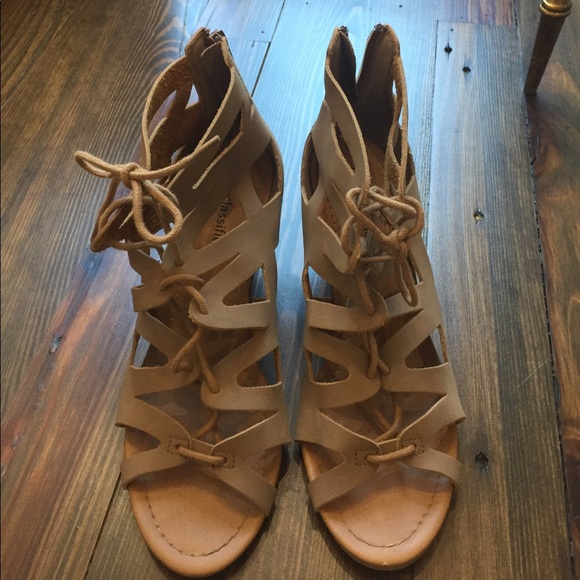 4839d805a92 CITY CLASSIFIED Shoes - CITY CLASSIFIED Strappy Lace Up Women s sandal