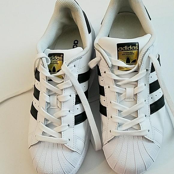 le adidas superstar scarpe sz 75 poshmark leggermente usata