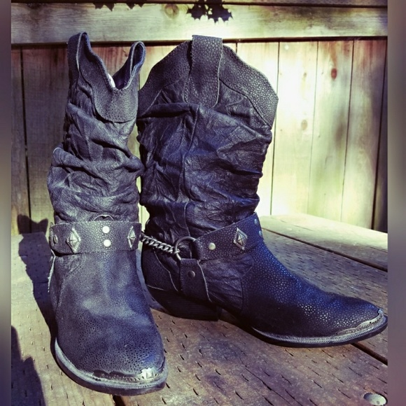 7808abe90c8 Amazing, slouchy, bad ass, leather moto boots!!