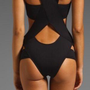 MINIMALE ANIMALE Stephanie Suit, NWOT