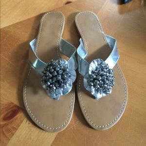 Shoes - 💘 3/$15 Beaded silver sandals