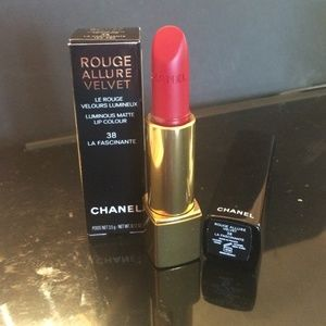 CHANEL Rouge Allure Velvet matte #38 La Fascinante