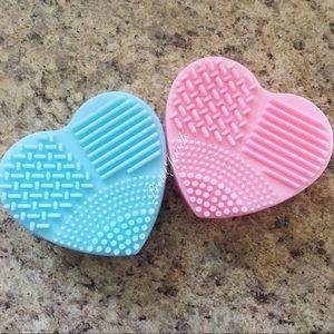 x2 Makeup Cleaner Mat Hearts
