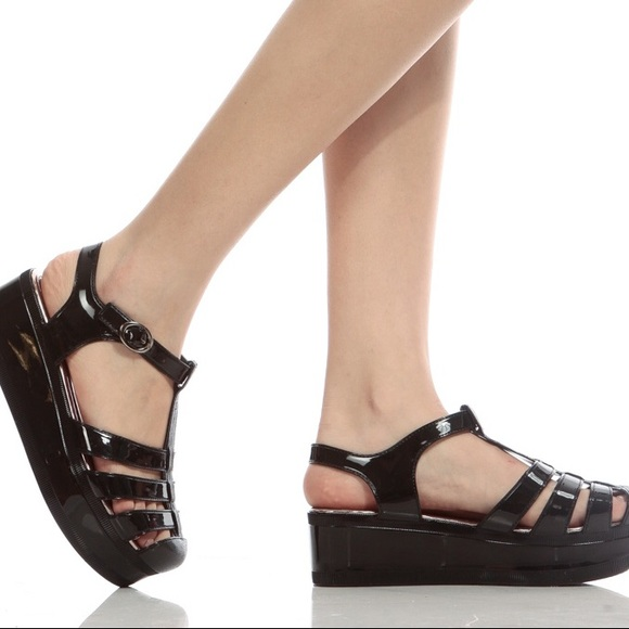 50ad6c771c41 WANTED Black Platform Jelly Sandals. M 596685eebcd4a72f210195c4