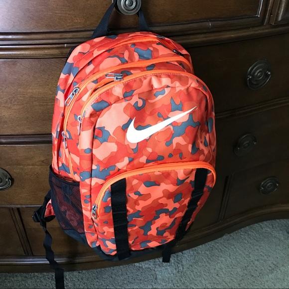 Nike Brasilia 7 Xl Backpack Orange Camouflage c735eea490