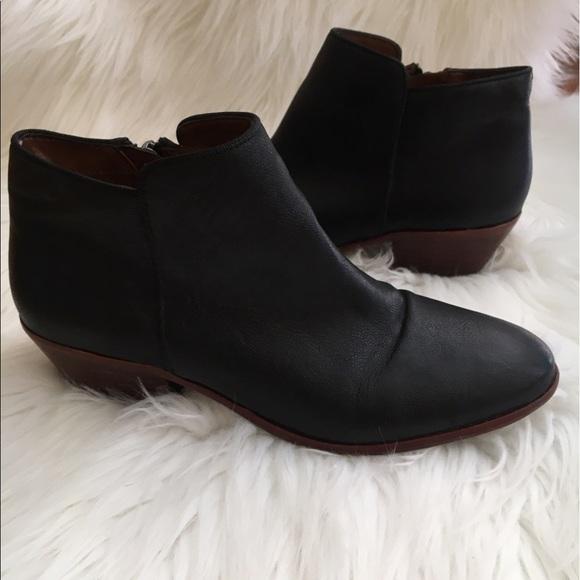 381a772bee9fb7 Sam Edelman petty ankle bootie black leather 5.5. M 59669320522b4589520018c1