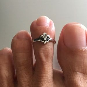 Jewelry - Sterling Silver Fleur De Lis Toe Ring
