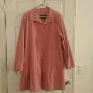 *100% AUTHENTIC LONDON FOG TRENCH COAT!!