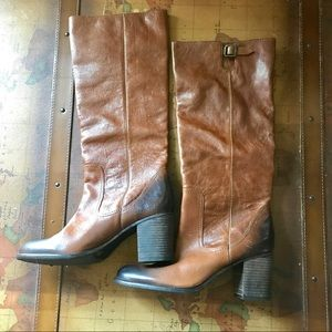 5bbde37f82f Vince Camuto Shoes - NWOT Vince Camuto Distressed Brown Leather Boots