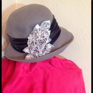 Accessories - Fashion Hat With Flowers