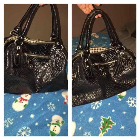 f8ce93cb3f Jessica Simpson Handbags - black leather purse