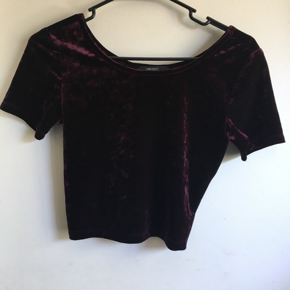Forever 21 Tops - Maroon Velvet Crop Top