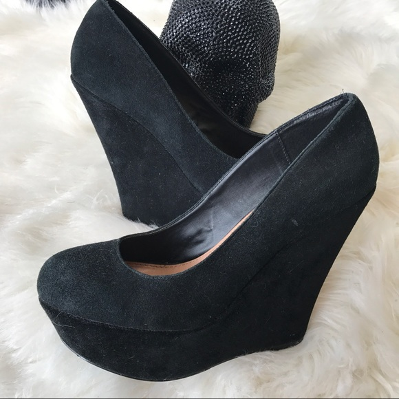 6fa1582f586 Steve Madden Pammyy black suede wedges